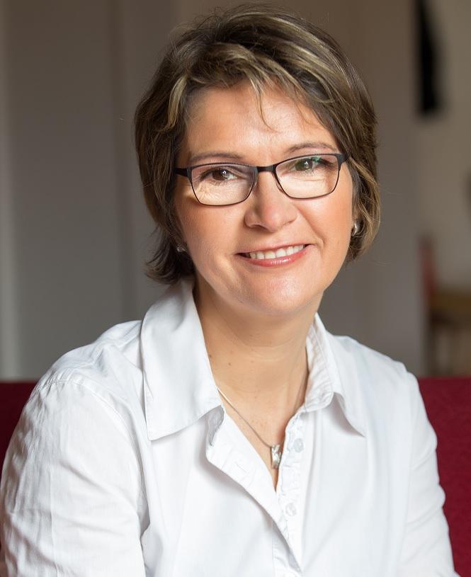 Katalin LŐRINCZ, PhD
