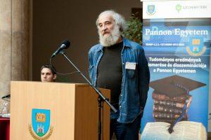 Dr. Mérő László professzor előadása Veszprémben