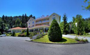 Szállodai recepciós kollégát keres a Hotel Villa Medici